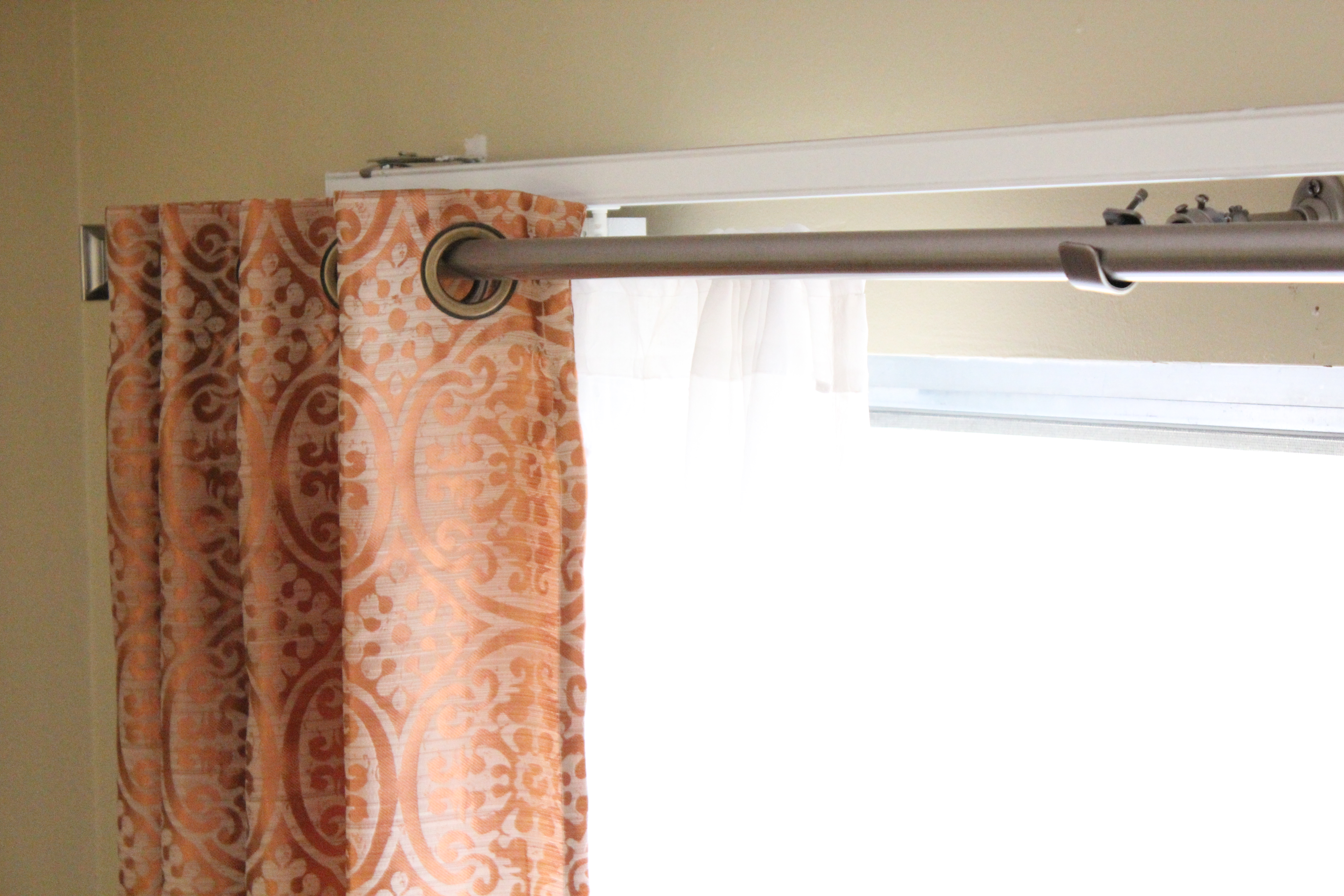 Curtains over horizontal blinds ~ Decorate the house with ...